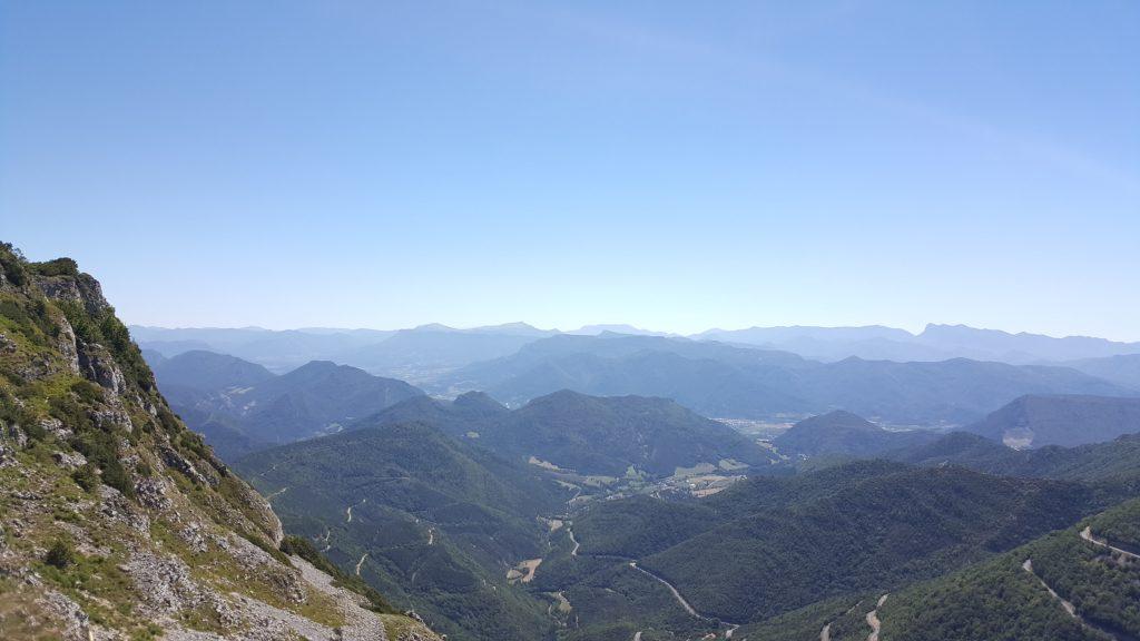 Vue du Pays Diois en haut du Col du Rousset qui est aussi une station de ski ! by ni bu ni connu